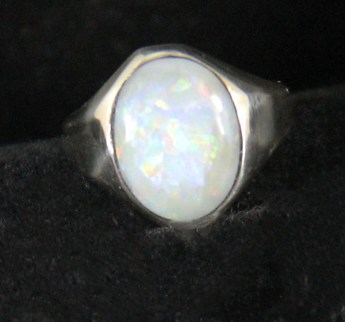 OpalCabochon set in Sterling Silver Ring