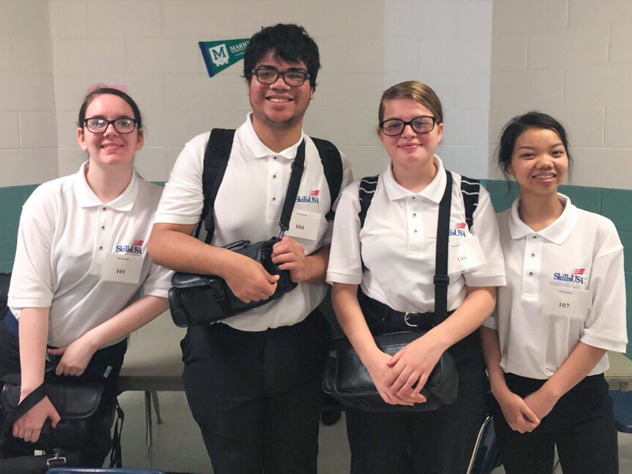 4 FSDB students competing in the SkillsUSA Regional Photography competition