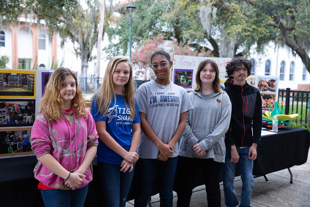 Five FSDB students in front of Horticulture display.