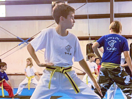 Deaf Students Train in the Martial Arts