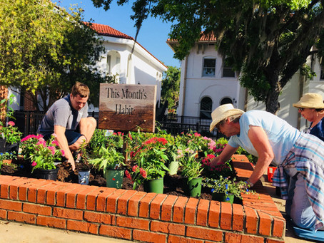 Las Adelfas Garden Circle Works With Students