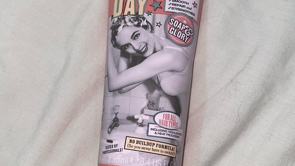 SOAP & GLORY GLAD HAIR DAY ULTRA-SHINE DAILY SUPER SHAMPOO 🧴🧼
