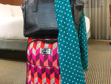 Stylish Mama's Work Trip Packing List - 1 Week, 1 Small Carry-On