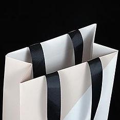 Вклеенные репсовые ленты для бумажного пакета с логотипом