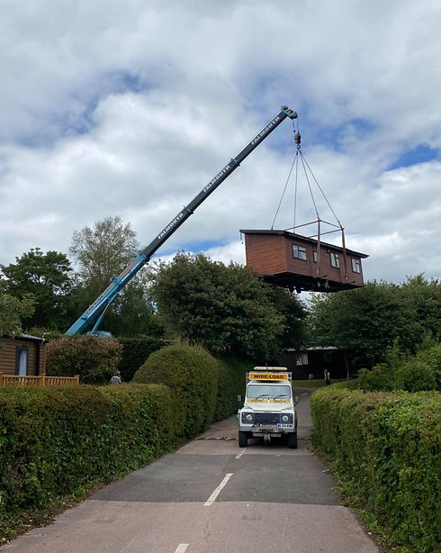 Crane lifting cabin.jpg