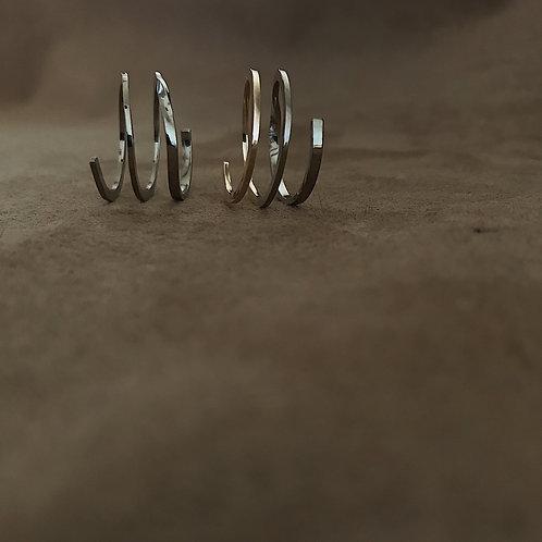静けさと循環 螺旋リング