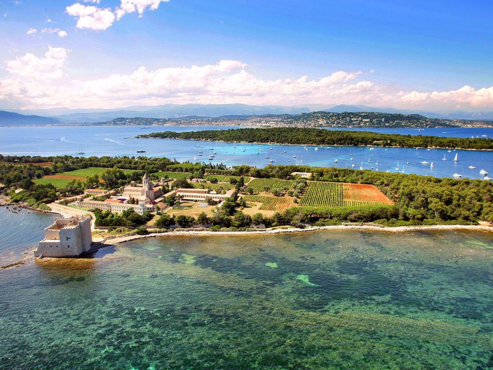 vue panoramique des Iles de Lerins.jpg
