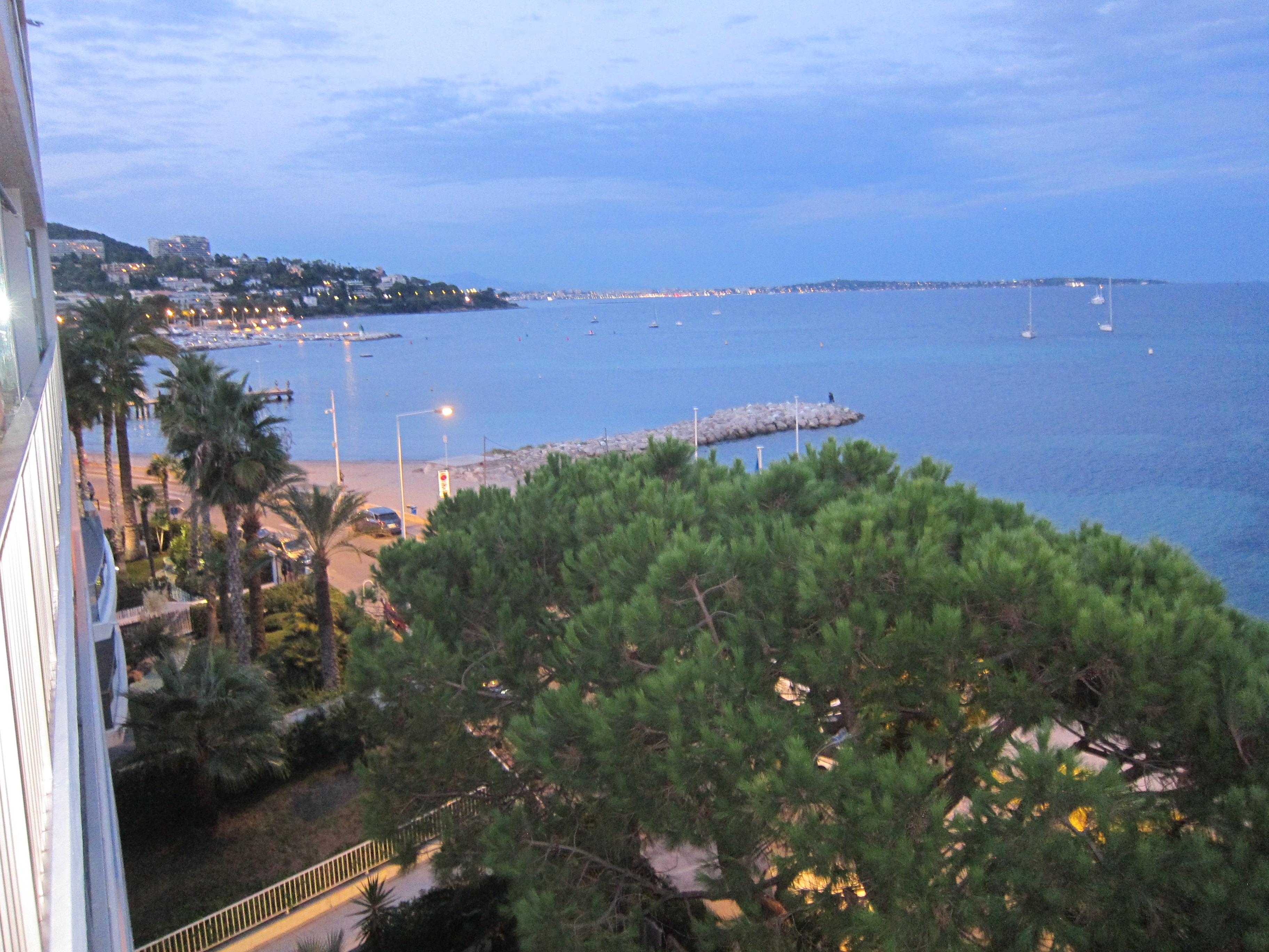 Location Cannes vue mer et plage