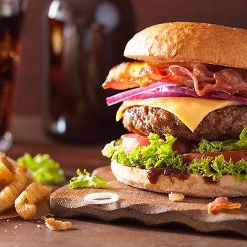 burger-au-bacon-et-au-cheddar.jpg