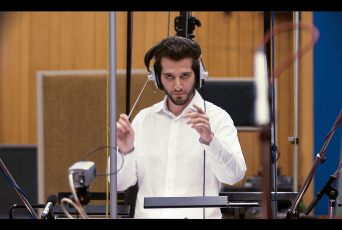 Adriano Aponte Conducting at Abbey road Studios.png