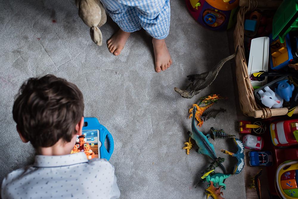 Jouer au réveil - Reportage de Famille