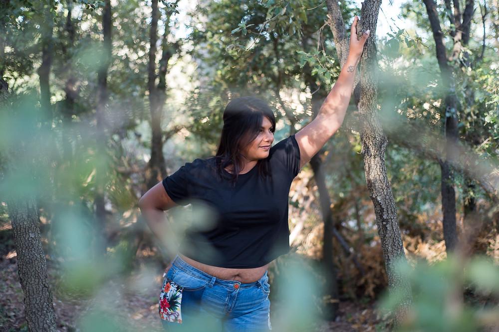 Portrait de femme en pleine nature
