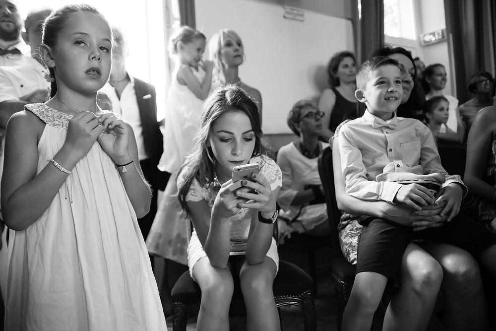 réaction des enfants pendant la cérémonie