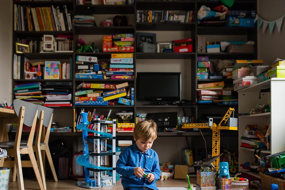 reportage photo de famille - Dans le grande salle de jeux