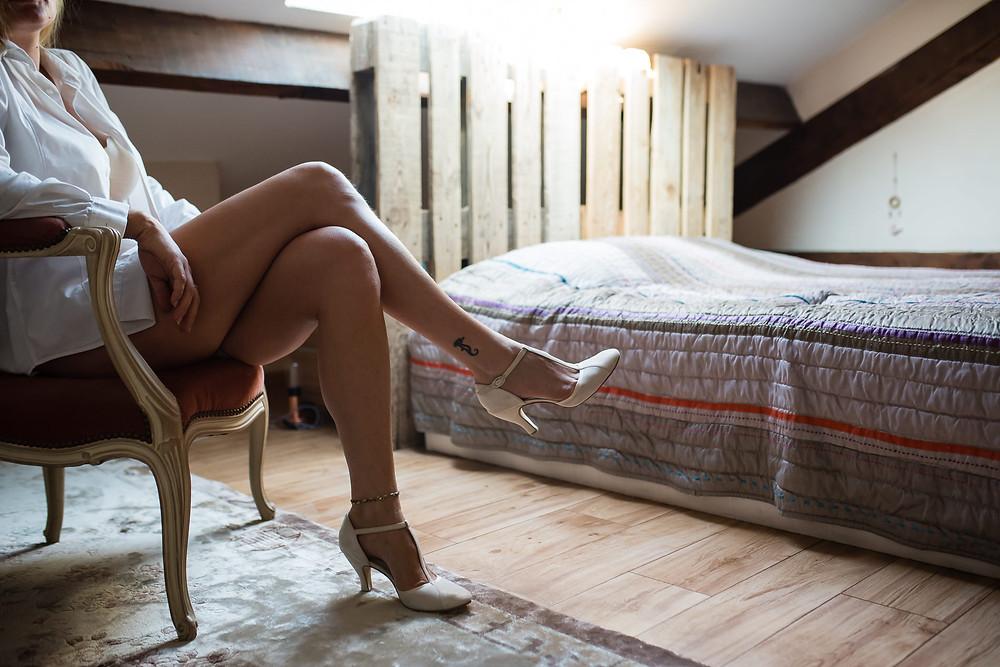 Séance intime boudoir avec une future mariée