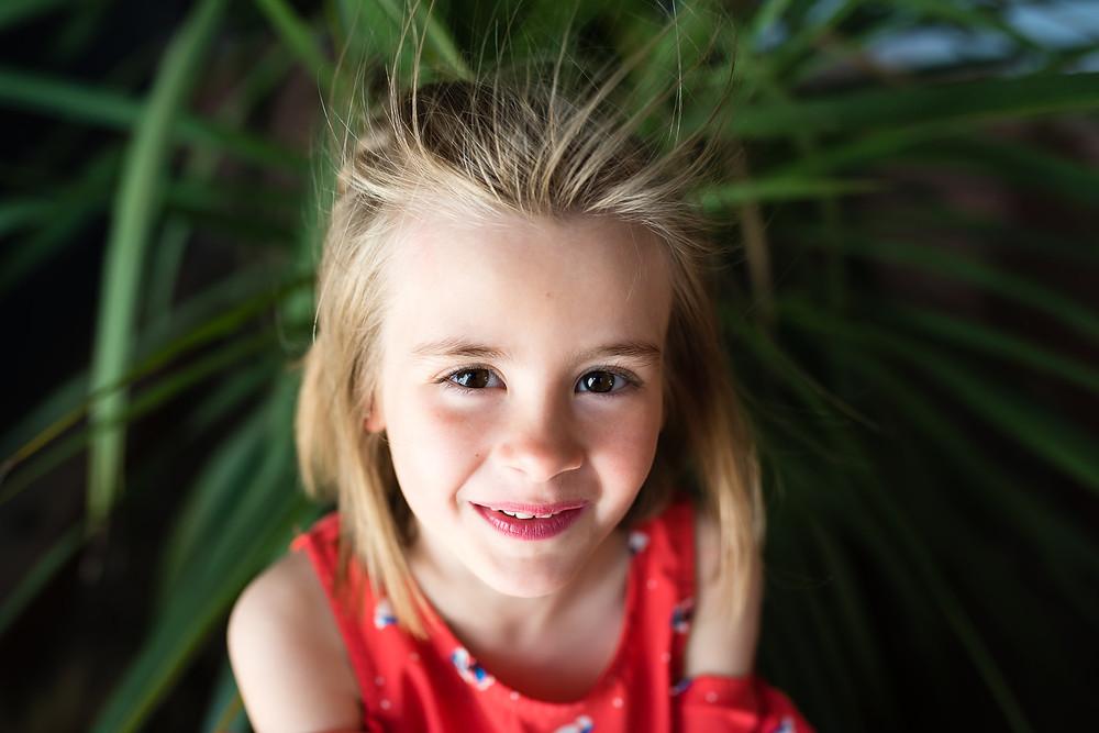 Portrait couleur d'une petite fille