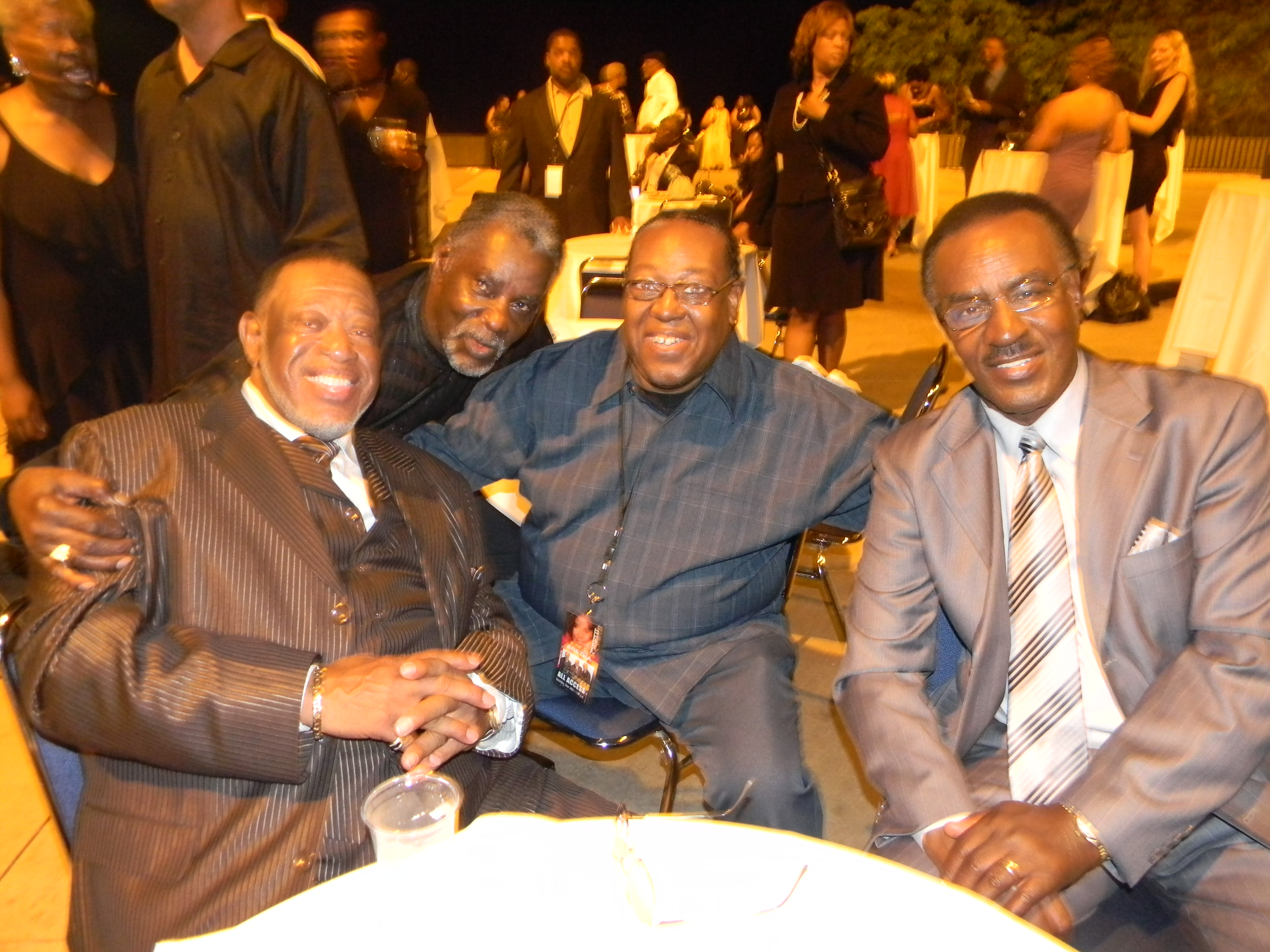 PJ WILLIS WITH THE IMPRESSIONS & UNKNOWN GENTLEMAN TO MY RIGHT