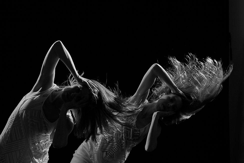 19-FCD-001P_041219_Dancers_EdgeLight3129