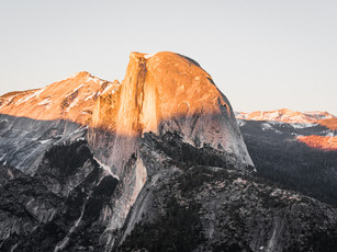 The last light of the day hitting Half Dome in Yosemite National Park, California (DSC_5333)