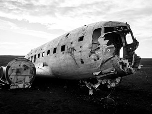 A black and white of the Sólheimasandur plane wreckage in Iceland (DSCF0147)