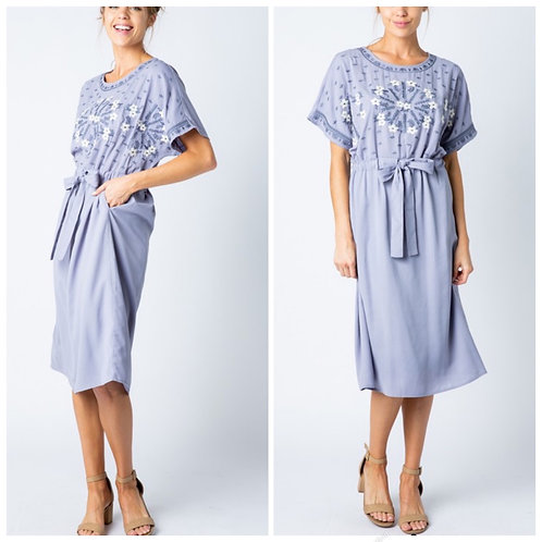Lilac tie dress with embroidery