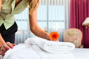 linen-services-room-service-hotel.jpg