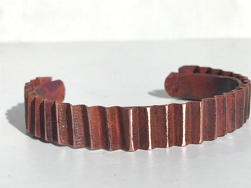 Corrugated bracelet