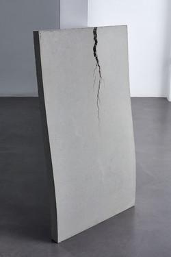 Christoph Weber, Beton (lehnend), 2019