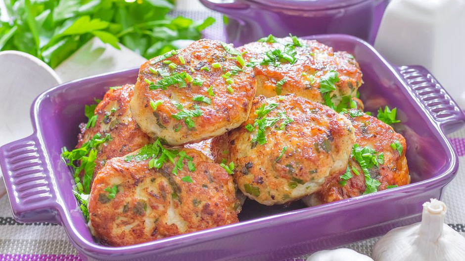 Рецепт смачних курячих котлет від шеф-кухаря, судді проєкту «МастерШеф»