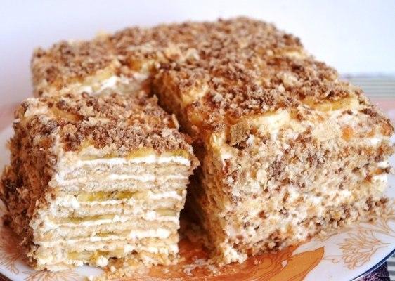 Торт без випічки з печива з бананом