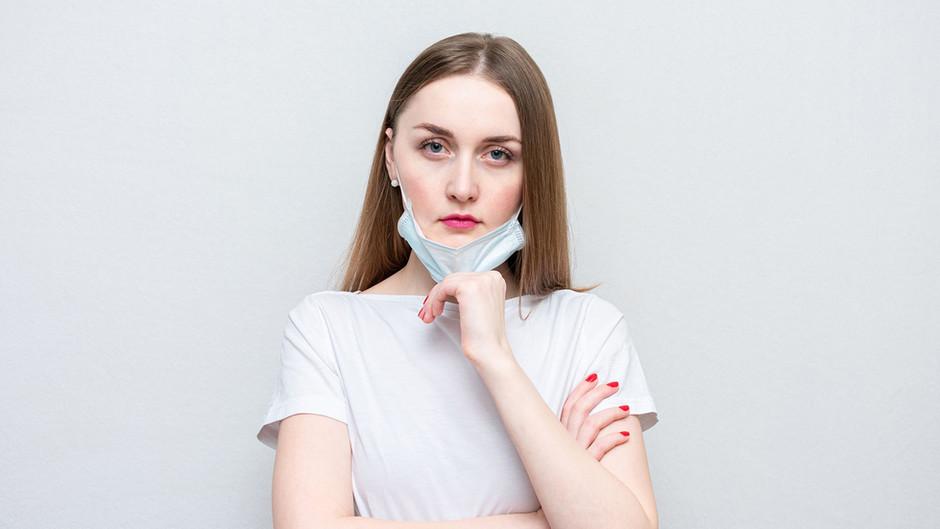 У мережі обговорюють нову проблему - маскне: акне від постійного носіння масок