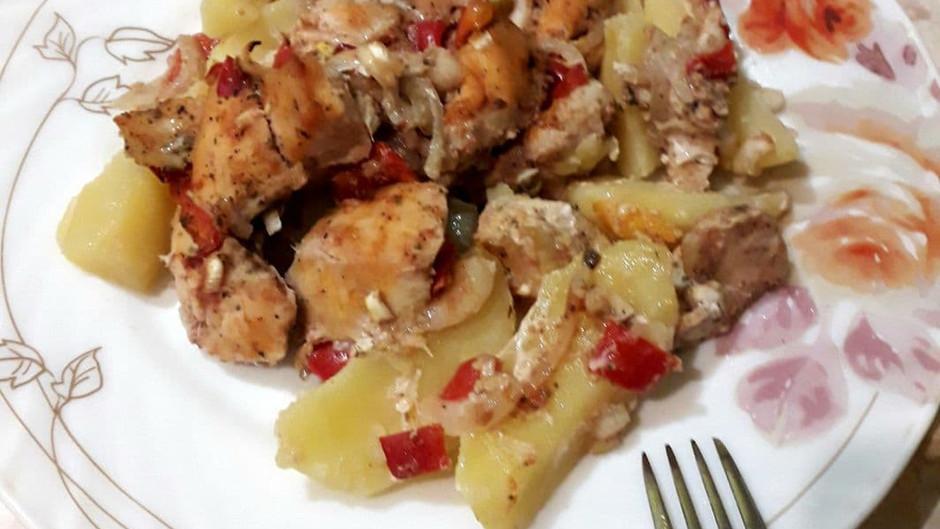 Чахохбілі з курки з картоплею - легко і смачно