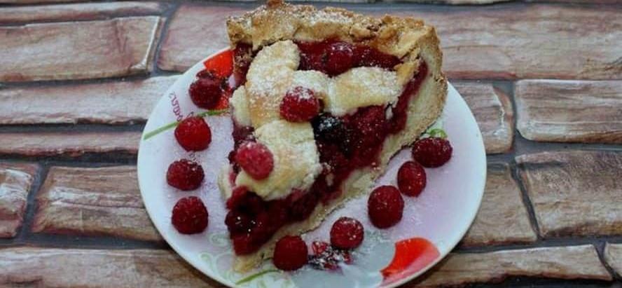 Пісочний пиріг з малиною
