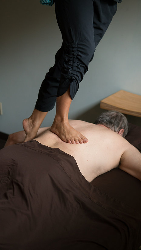 Barefoot Massage Back
