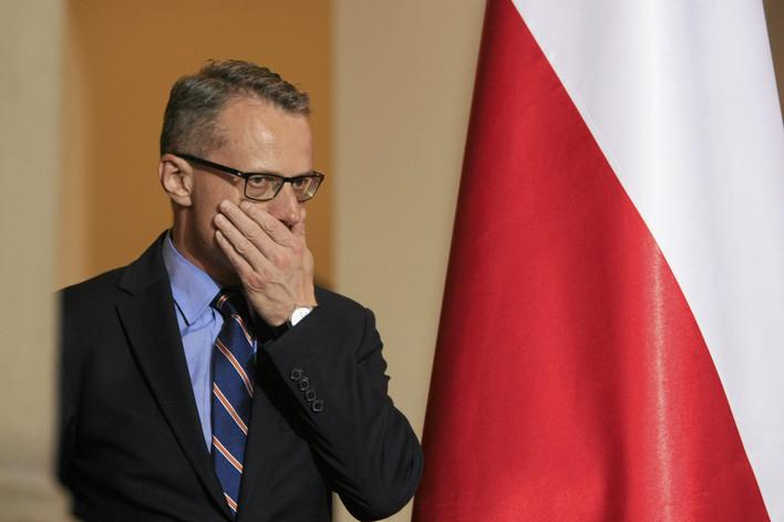 Ambasador musi odejść? O trudnym życiu dyplomaty