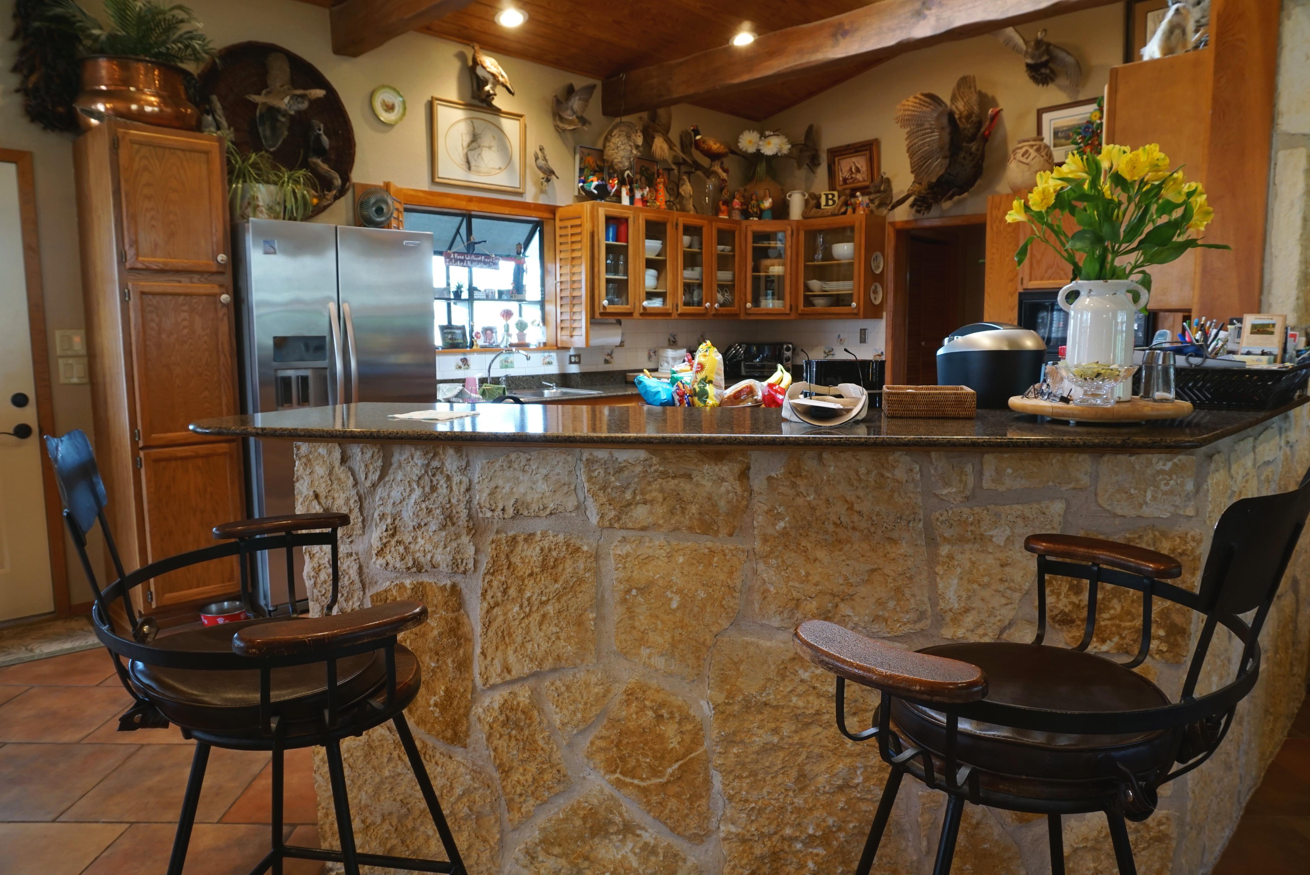 bar off kitchen