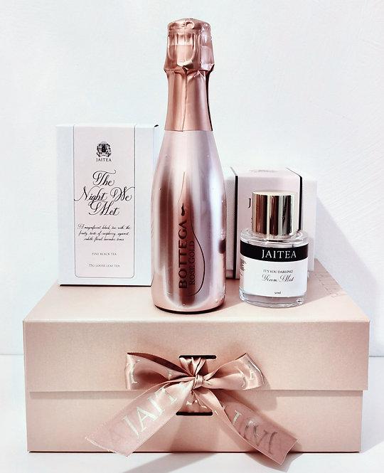 Prosecco, Tea & Room Mist Gift Box