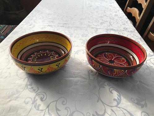 Medium (23 cm dia.) Ceramic Bowls