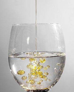 glass-101666_1920_edited.jpg