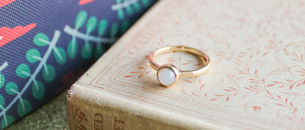 Bague simple pierre grise