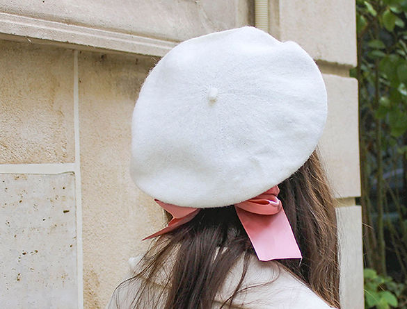 beret blanc en laine ruban.jpg