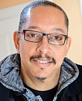 Portrait Derrick (1).jpeg