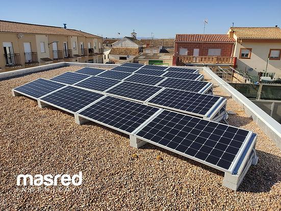Instalación trifásica mediante inversor SUN2000-3-5KTL-M1 con posible incorporación de equipo de almacenamiento
