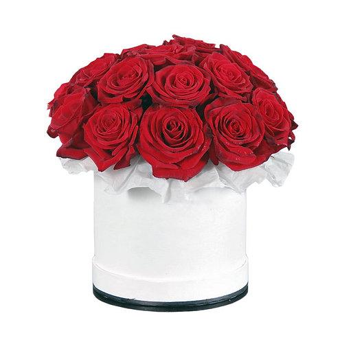 21 роза в дизайнерской шляпной коробке