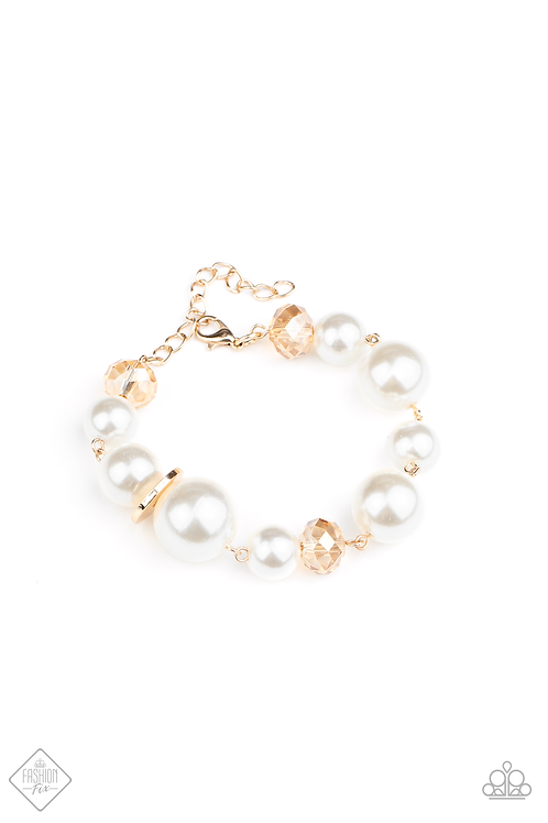 Glamour Gamble - Gold bracelet