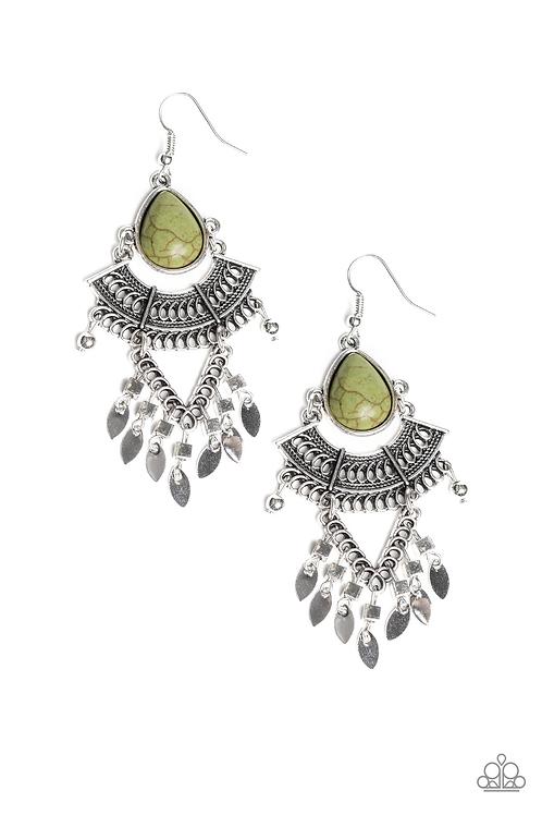 Vintage Vegabond - Green earring