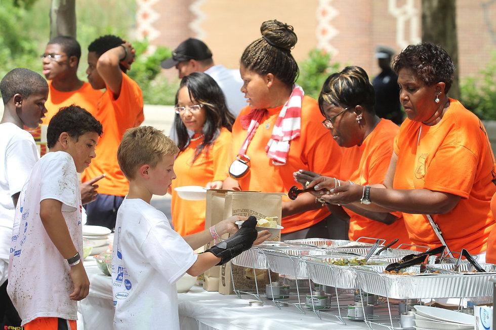 serve food.jpg