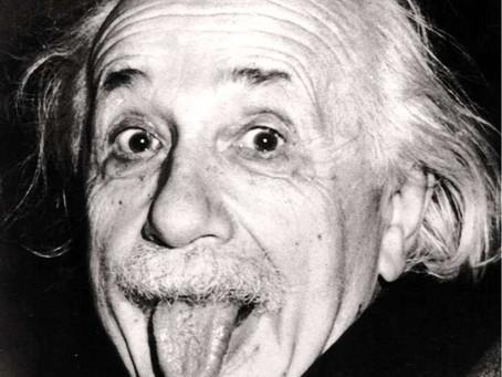 ニュートンよりもアインシュタイン派