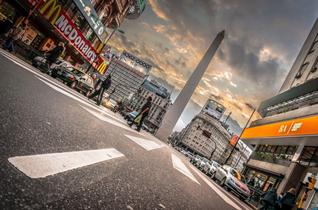 BORIS G. Obelisco de Buenos Aires