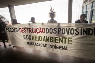 """Ato Indigena contra PEC215 • 17/03/2015"